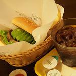 フレッシュネスバーガー - アボカドバーガー・フライドポテト・アイスコーヒー