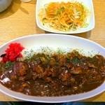 カレーや うえの - チキンカレー大盛り(サラダ付)¥500