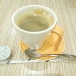 クレープリーカフェ - コーヒー 486円