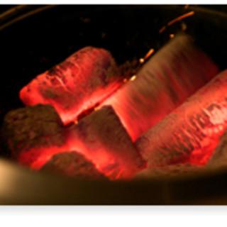 旨さの秘訣は肉へのこだわりと炭火