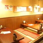 近江町食堂 - 小上り(6人掛が3卓)