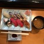 千種鮨 - 日替わりランチ握り900円