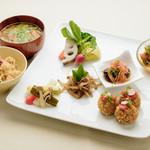 ビオクラスタイル クッキングスクール カフェ - キヌアの玄米フレークコロッケセット