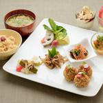 ビオクラスタイル クッキングスクール カフェ - キヌアの玄米フレークコロッケディナー