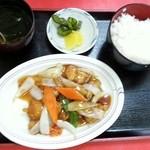 ミッチー中華飯店 - 酢豚定食  750円