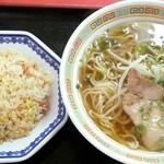 ミッチー中華飯店 - ラーメン定食  800円
