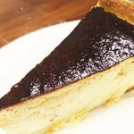 シュヴァルツヴァルトカフェ - マイスターメイドのチーズケーキ