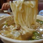 MYEONGDONG KYOJA - カルグクス(韓国式スープ+うどんの麺 칼국수) 8000w(約560円)