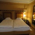 Bayerischer Hof  - 部屋もベッドもそれほど大きくはありません