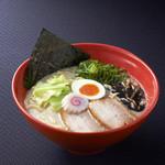 西麻布 五行 - 醤油とんこつ麺