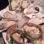牡蠣 HachiRou 86 - 牡蠣4種盛り(¥1500)を2セット