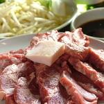 だるま - ヘルシーなラム肉は、新鮮な野菜と一緒に食べましょう!