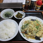 ラーメン まいど - 玉子入り野菜炒め定食