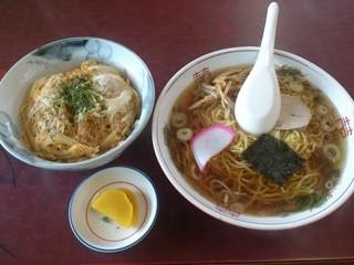 廣玉屋 - 半カツ丼ラーメン(¥700)