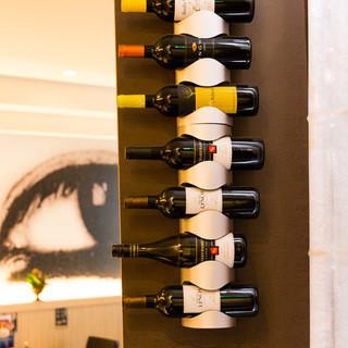 お店で吟味したお寿司に合うワインの数々