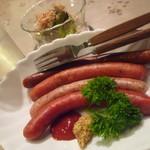 ピースパイプ - 料理写真:夜食に地酒と野沢菜、ソーセージです♪