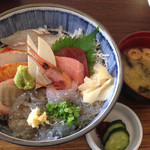 29396203 - 海鮮丼,味噌汁,漬物