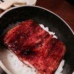 やるき茶屋 - 【'14.7】パッと蓋を開けて鰻を投入し、再び10分、蒸す