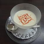 ガレット エ ポムポム  - 冷製じゃが芋のスープ ヴィシソワーズ
