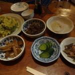 増渕魚園 - 山菜や夏野菜で作られたおかず達!テーブルいっぱいにやってきます(^^)/