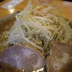 麺道 くろとん - 魚介G麺 麺野菜大盛りニンニク少し