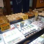 台ヶ原金精軒 - 他にも美味しそうな和菓子がたくさん