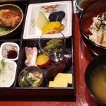 魚菜おかずいろいろ - 松花堂
