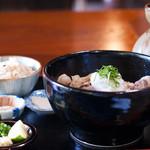 手打ちうどん 風舞 - 料理写真:ぶっかけ(いのしし)+かやくご飯