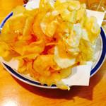 お食事処 いとう - 料理写真:アツアツポテチ