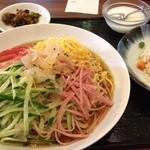 香港酒家 景記 - 冷やし中華(700円)・半チャーハンは麺類+100円!
