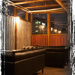 エビ殻荘 - 神楽坂の空気を感じるテラス席