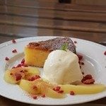 チッチコッコカフェ - りんごケーキ&コンポート&バニラアイス