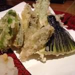 29445595 - 旬野菜の天ぷら~w