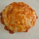 パンやきどころ RIKI - ポテチー190円♪じゃがいものフォカッチャにチーズ♪