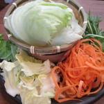 しゃぶしゃぶ温野菜 - メニューで選ぶのに迷ったので野菜盛りをおかわり