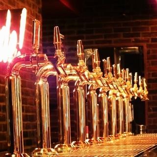 8種のビアバーはインパクト大!国内外のおいしいビール飲み比べ