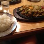 キッチン カロリー - ガチャ鉄板焼き