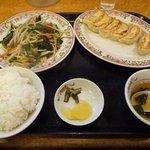 餃子の王将 - ニラレバ炒め定食