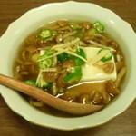 松美屋 - 豆腐のなめこオクラあんかけ