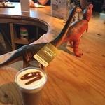 ハンズカフェ - 恐竜アイスココア 490円