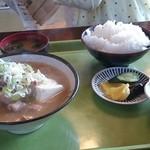 定食家 - ホルモン煮定食(600円)