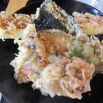 盤洲 - 穴子天丼のアップ