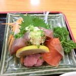 うどん福松 - 僕の『福松定食(温かいうどん)刺身付』780円。3
