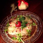 アフターザレイン - ホタテのカルパッチョ  薔薇色胡椒がアクセント