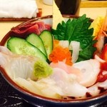 割烹 しが - 海鮮丼「あっぷ図」