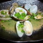 日本酒×和創作料理 香酒 鞘 - あさりの純米酒蒸し538円