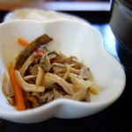 蕎麦 香寿庵 - 美味しい山菜の小鉢