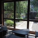 カフェ井政 - お庭が見える席