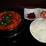 韓味家 - 純豆腐チゲランチ800円