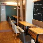 ダイニング・カフェ アレッタ - 座った席と並びの席
